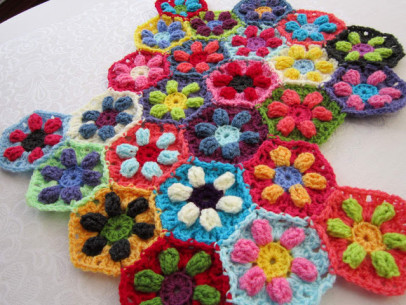 Puffed Daisy Hexagons