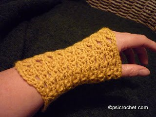 Chevron Lace Wristwarmers
