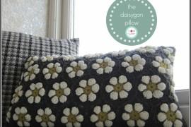 The Daisygon Pillow
